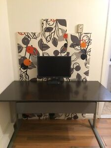 Ikea table /disk 50$