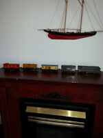 1920's Lionel Train Engine & 4 Cars 1920's