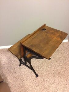 Antique school desk  Kitchener / Waterloo Kitchener Area image 3