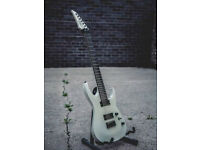 Agile Interceptor Pro 727 7 String Electric Guitar in White - With Hard case - Excellent Condition