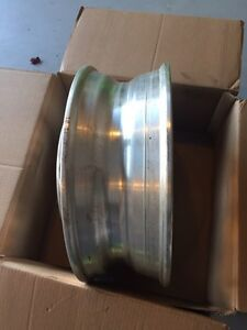 OEM Original 19.5 Ford F450 F550 Super Duty Dually FRONT Wheel West Island Greater Montréal image 4