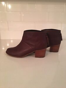 Authentic TOMS Genuine Leather Ankle Booties - EUC St. John's Newfoundland image 4