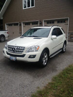 2010 Mercedes-Benz ML-350 4Matic SUV Leather/Nav/Sunroof/Mint