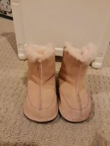 Baby girl's UGG boots (12-18M)