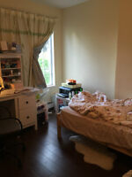 A  large room in Vancouver, bus to UBC and Downtown,Richmnd, BBy
