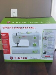 Singer Esteem II sewing machine