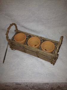 Fine Herb pots in wooden basket / Pots d'herbes fines