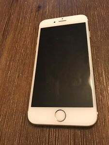 iPhone 6s Gold 64Gbs Perfect condition for $600