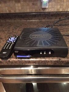 Bell Express Vu 4100 Receiver Satellite Receiver with remote