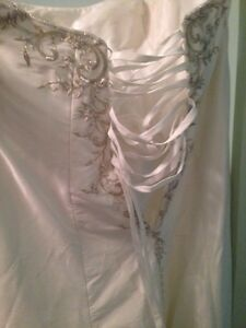 Wedding gown and veil size 22