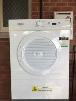 Excellent condition Whirlpool 6 kg tumble / clothes dryer.CAN DEL