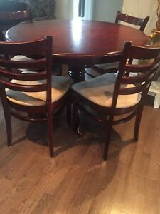 4 seat dinning table