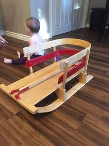 Old Fashioned Wooden Kids Sleigh/Sled
