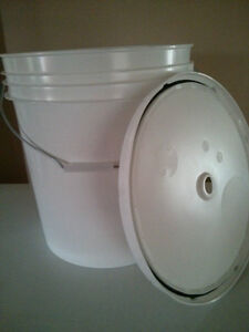 NEW 27 Liter Fermentation bucket with O ring lid Cambridge Kitchener Area image 1