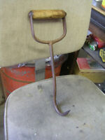 OLD 1920s WOOD HANDLE HAND FORGED HAY BALE HOOK $20.00
