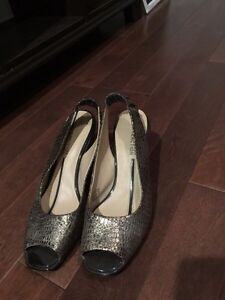 Kenneth Cole Reaction wedges size 9.5