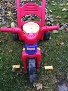 Tricycle Fisher Price  Rock, Roll and Ride West Island Greater Montréal image 2