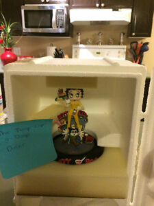 Betty Boop Franklin Mint Glass Dome Figurine London Ontario image 1
