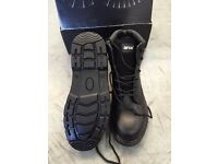 BRAND NEW Arco ST570 S3 Safety Boots (size 9)