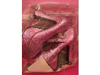 Pink sparkle shoes. sizes 6-7