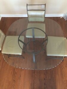 Brand new glass top table w/ leather chairs Cambridge Kitchener Area image 3