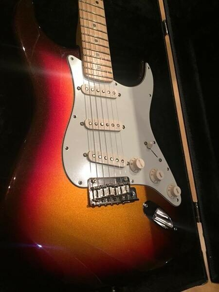 As new usa fender stratocaster deluxe plus w all 7 personality as new usa fender stratocaster deluxe plus w all 7 personality cards freerunsca Choice Image