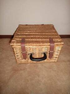CANE PICNIC BASKET FOR 2----COLLECTABLE AND COOL Wynn Vale Tea Tree Gully Area Preview