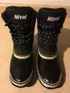 Women's Nival Winter Boots Size 7.5 London Ontario image 2