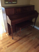 Piano Yamaha M500s avec banc / with bench