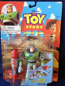 "BUZZ LIGHTYEAR With Flying Rocket Action 5"" Tall Figure, Disney"