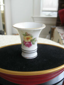 EXQUISITE MINIATURE VINTAGE BAVARIAN CHINA TOOTH PICK CADDY