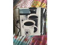 Set of 4 Mono Mugs Black & White