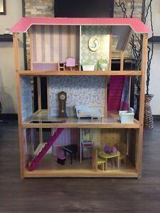 Maison Barbie  Saguenay Saguenay-Lac-Saint-Jean image 2