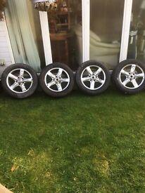 "18"" 5 stud alloy wheels, / they fit Kia Sorento"