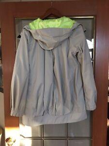 Lululemon rain jacket size 4 - Stone/gray colour Windsor Region Ontario image 3