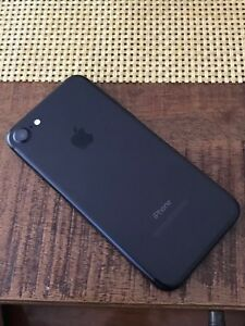iPhone 7 128GBs perfect condition, UNLOCKED  $850