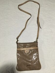 Authentic Guess Purses for Sale  St. John's Newfoundland image 4