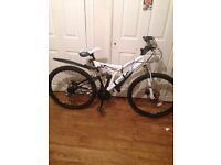 Mens mountain bike almost new
