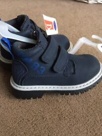 Size 7 (toddler) boys boots BNWT