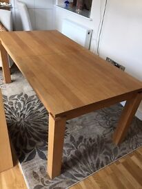 Oak dinning table (JYSK) used