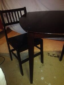 Table and chairs Stratford Kitchener Area image 2