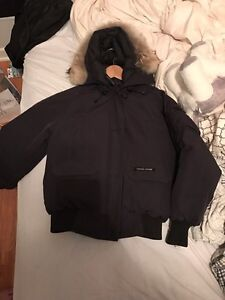 Canada Goose chilliwack bomber Women Medium