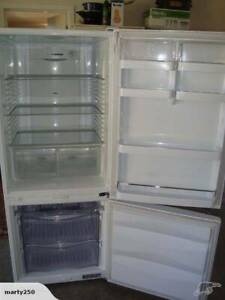 Free delivery Fisher paykel 372L glass shelving Bottom Mount Fridge