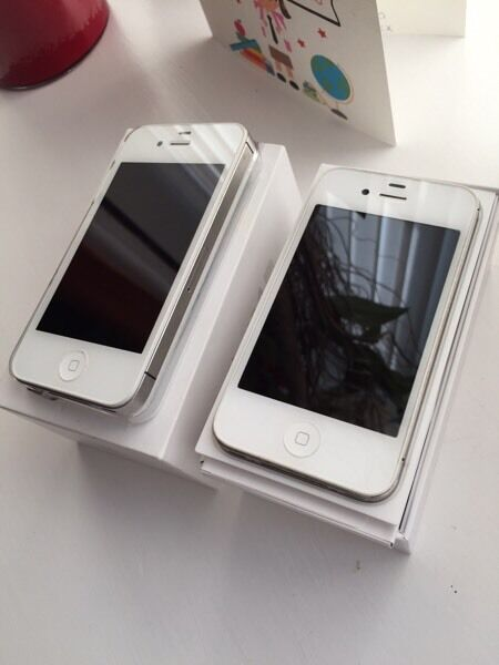 2x iPhones 4's