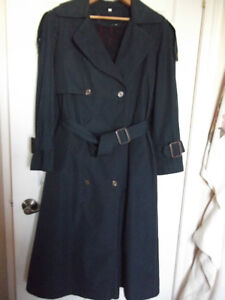 Manteau printemps-hiver,style trench,marine,12-14ans,neuf,$15.