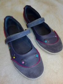 Clarks leather size 3F