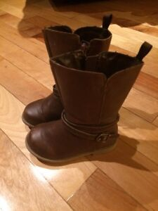 Size 5 Old Navy toddler girls fall boots