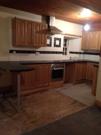 2 bedroom house for let
