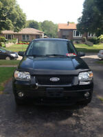 2005 Ford Escape $6500.00 PLUS TAXES.