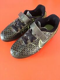 Nike Magista Ola FG children's football boots size 13